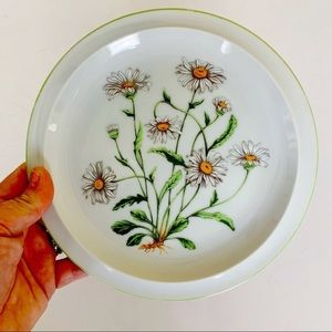 Royal Domino Collection Japan Wild Daisy Plates 2
